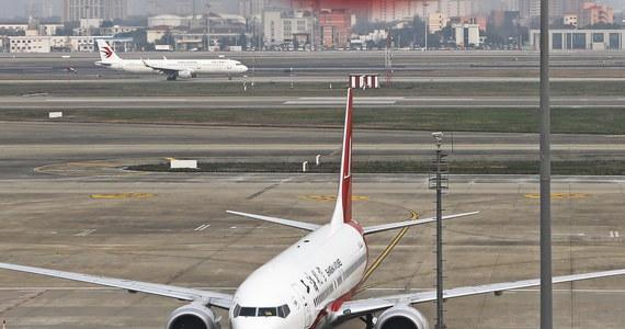 Europejska Agencja Bezpieczeństwa Lotniczego zdecydowała o uziemieniu wszystkich samolotów Boeing 737 8 MAX i i 737-9 MAX na obszarze Unii Europejskiej. To efekt katastrofy tego typu samolotu, do której doszło w niedzielę w Etiopii. Zginęło 157 osób.