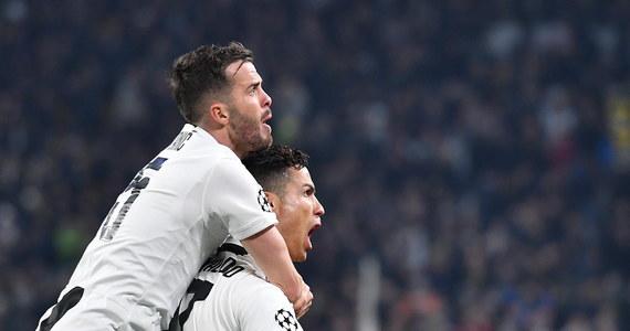 Juventus Turyn, z Wojciechem Szczęsnym w bramce, dzięki trzem golom Cristiano Ronaldo pokonał u siebie Atletico Madryt 3:0 i awansował do ćwierćfinału piłkarskiej Ligi Mistrzów. Popis zademonstrował też Manchester City, który wygrał z Schalke Gelsenkirchen aż 7:0.
