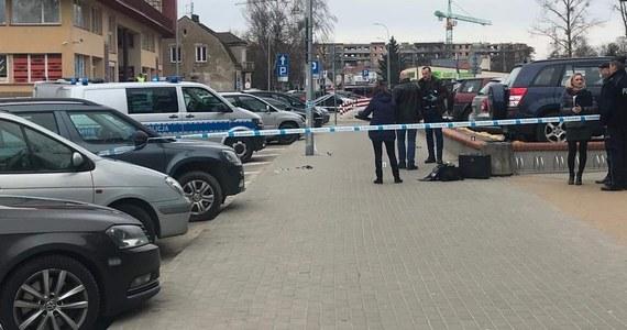 Dwie kobiety zostały ranione nożem na parkingu przed komendą miejską policji w Białymstoku. Sprawca został zatrzymany. Informację o tym zdarzeniu dostaliśmy na Gorącą Linię RMF FM.