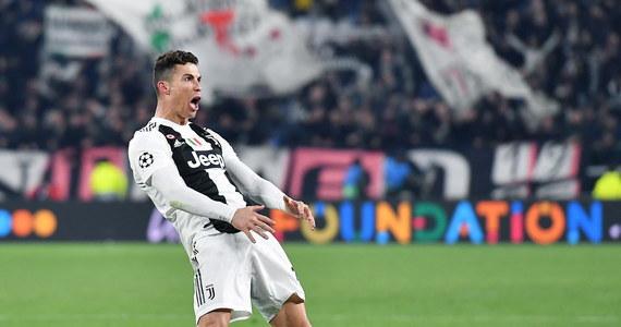 """""""Szalony wyczyn"""", Ronaldo to """"olbrzym"""", """"piłkarze Juventusu to Marsjanie"""", """"jesteśmy oczarowani""""- tak włoska prasa celebruje mecz, w którym Juve dzięki trzem golom Portugalczyka wygrało z Atletico Madryt 3:0 awansując do ćwierćfinału Ligi Mistrzów."""