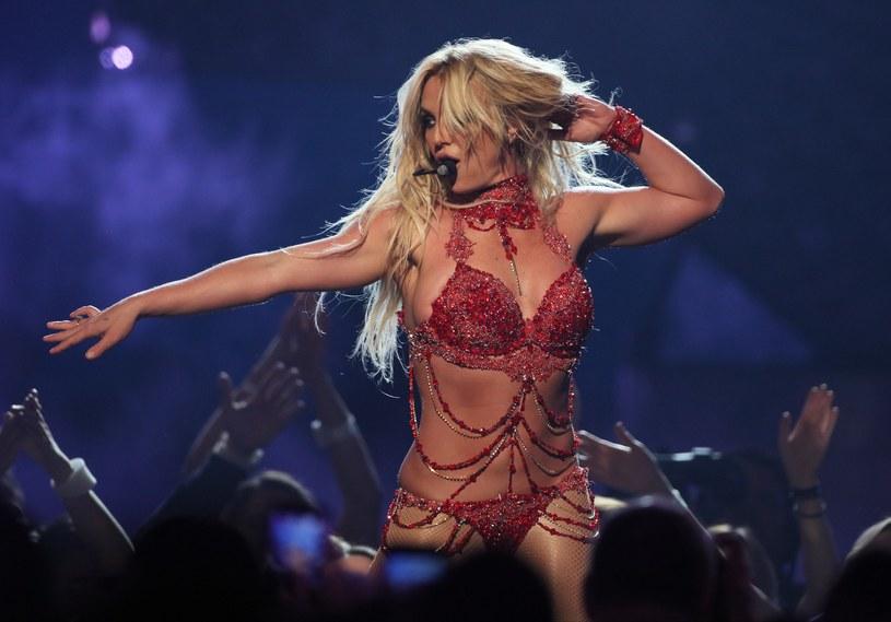 Jesienią tego roku na chicagowską scenę trafi musical oparty na przebojach Britney Spears. Będzie to dobra okazja do uczczenia 20. rocznicy ukazania się pierwszego albumu księżniczki muzyki pop. Przedstawienie będzie wystawiane w Chicago, ale w planach jest też podbicie Broadwayu.