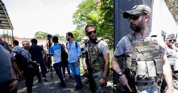 Strzelanina w szkole na przedmieściach Sao Paulo w Brazylii. Zginęło co najmniej osiem osób. Reuters podaje, że 17 osób, w większości dzieci, zostało rannych.