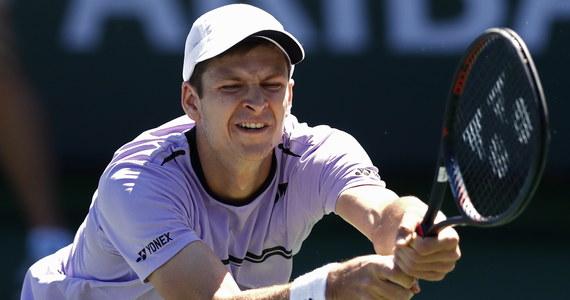 Hubert Hurkacz awansował do ćwierćfinału tenisowego turnieju ATP rangi Masters 1000 w Indian Wells. Polak pokonał rozstawionego z numerem 24. Kanadyjczyka Denisa Shapovalova 7:6 (7-3), 2:6, 6:3. Jego kolejnym rywalem będzie Szwajcar Roger Federer (nr 4.).