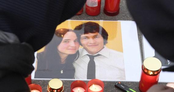 """Biznesmen Marian Koczner został oskarżony o zlecenie morderstwa dziennikarza Jana Kuciaka i jego partnerki Martiny Kusznirowej - informują """"Hospodarske Noviny"""". Wcześniej w sprawie zatrzymano kilka innych osób, w tym mordercę pary."""