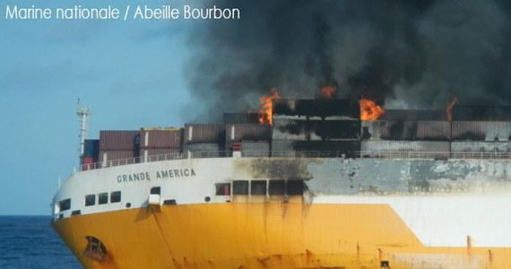 Katastrofa ekologiczna u atlantyckich wybrzeży Francji po zatonięciu włoskiego transportowca Grande America. Z wraku wyciekają tysiące ton paliwa i innych szkodliwych dla środowiska substancji chemicznych.