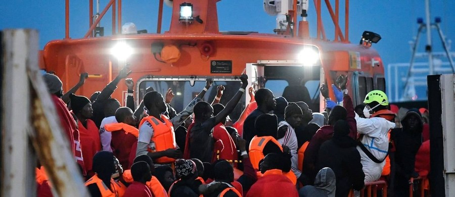 Ministerstwo spraw wewnętrznych Hiszpanii oszacowało, że w styczniu i lutym 2019 roku dotarła do tego kraju rekordowa liczba nielegalnych migrantów – blisko 6 tys. Zdecydowana większość z nich musiała przedostać się przez Morze Śródziemne.