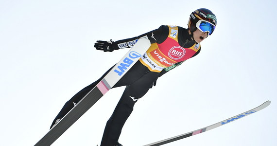 W piątek na mamucim obiekcie w Vikersund skoczków narciarskich czekają kwalifikacje do niedzielnego konkursu, zaliczanego do Pucharu Świata i cyklu Raw Air. Liderem norweskiego turnieju jest Austriak Stefan Kraft.