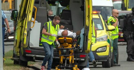 Trwa identyfikowanie ciał ofiar oraz poszkodowanych w piątkowych atakach na dwa meczety w nowozelandzkim Christchurch. W zamachach zginęło 49 osób, a 48 zostało rannych. Wiadomo, że ranne zostały osoby pochodzące m.in. z Turcji, Indonezji, Pakistanu, Indii.