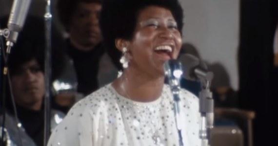 """5 kwietnia w kinach w Stanach Zjednoczonych odbędzie się premiera filmu dokumentalnego """"Amazing Grace"""". Jego autorami są Alan Elliott i nieżyjący już Sydney Pollack, a bohaterką zmarła w sierpniu 2018 roku królowa muzyki soul Artetha Franklin."""