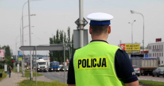 Policjanci z Krakowa ruszyli w pościg nieoznakowanym radiowozem za kierowcą opla, który nie zatrzymał się do kontroli.