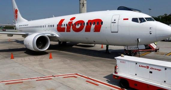 """Eksperci badający czarne skrzynki Boeinga 737 MAX, który 10 marca rozbił się w Etiopii, znaleźli """"wyraźne podobieństwa"""" do październikowej katastrofy takiego samego samolotu w Indonezji - podała w poniedziałek francuska agencja badania wypadków lotniczych (BEA)."""