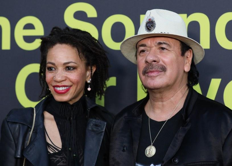 """Legendarny gitarzysta Carlos Santana zapowiada kolejną płytę swojego zespołu. Album """"Africa Speaks"""" zapowiada utwór """"Los Invisibles"""", w którym śpiewa hiszpańska wokalistka Buika."""