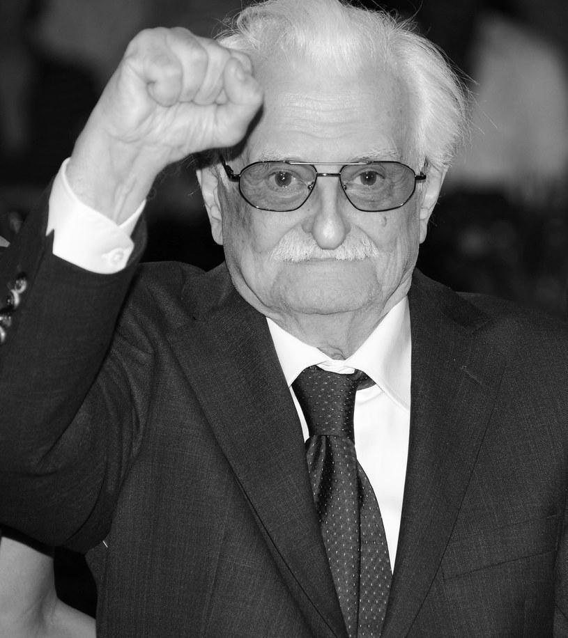 """W Moskwie zmarł we wtorek, 19 marca, reżyser Marlen Chucyjew, autor przełomowych filmów lat radzieckiej """"odwilży"""": """"Mam 20 lat"""" i """"Wiosna na ulicy Zarzecznej"""". Był jednym z czołowych poetów i moralistów kina radzieckiego i twórców nowego języka filmowego. Miał 93 lata."""