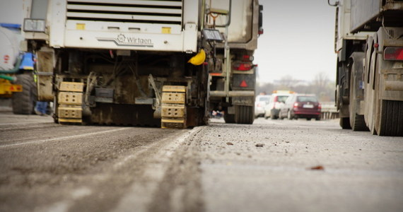 Firmy Salini i Pizzarotti mają ostatnią szansę, by wznowić budowy dróg - inaczej zaczną się procedury zrywania umów - ostrzega Generalna Dyrekcja Dróg Krajowych i Autostrad.