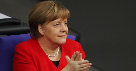 Kanclerz Niemiec Angela Merkel oświadczyła w Bundestagu przed udaniem się na posiedzenie Rady Europejskiej, że wciąż nie wiadomo, jak będzie wyglądał brexit. Zadeklarowała gotowość do rozmów na temat przedłużenia terminu wyjścia Wielkiej Brytanii z UE.