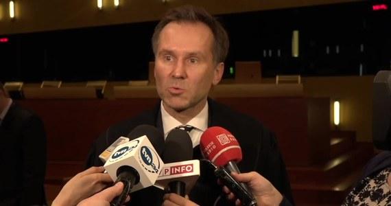 Po lekturze wyroków dyscyplinarnych sędziego Tomasza Szafrańskiego czytelnik czuje ulgę, że parokrotnie obwiniony sędzia już nie orzeka. Potem wpada się w zdumienie, że człowiek z taką historią, już jako prokurator, reprezentuje Prokuratora Generalnego przed Trybunałem Sprawiedliwości UE.
