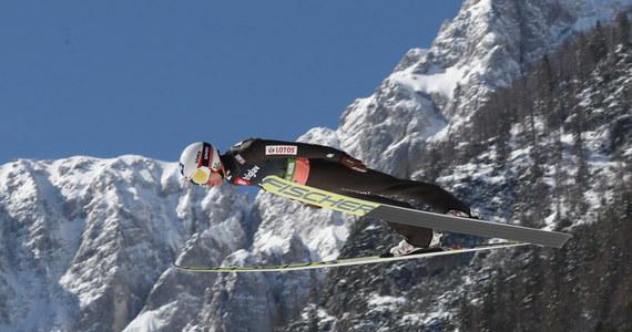 W piątek w Planicy odbędzie się pierwszy z trzech konkursów kończących sezon 2018/19 Pucharu Świata w skokach narciarskich. Rywalizacja rozpocznie się o godzinie 14.30, a udział w niej weźmie pięciu Polaków.