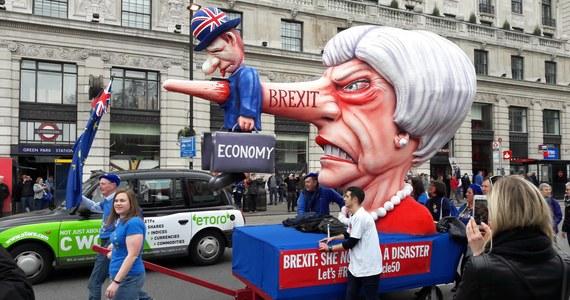 Wielotysięczna manifestacja przeszła ulicami Londynu. Demonstranci domagali się powtórnego referendum w sprawie brexitu.
