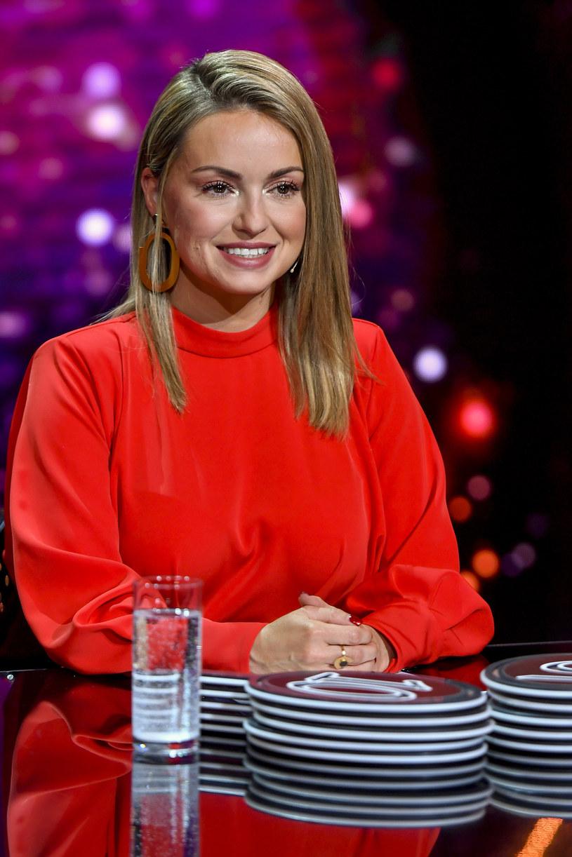 """Ola Jordan, jurorka programu """"Dancing with the Stars. Taniec z Gwiazdami"""", powiedziała w rozmowie z Interią po czwartym odcinku, że poziom show jest coraz wyższy i nawet Justyna Żyła robi postępy."""