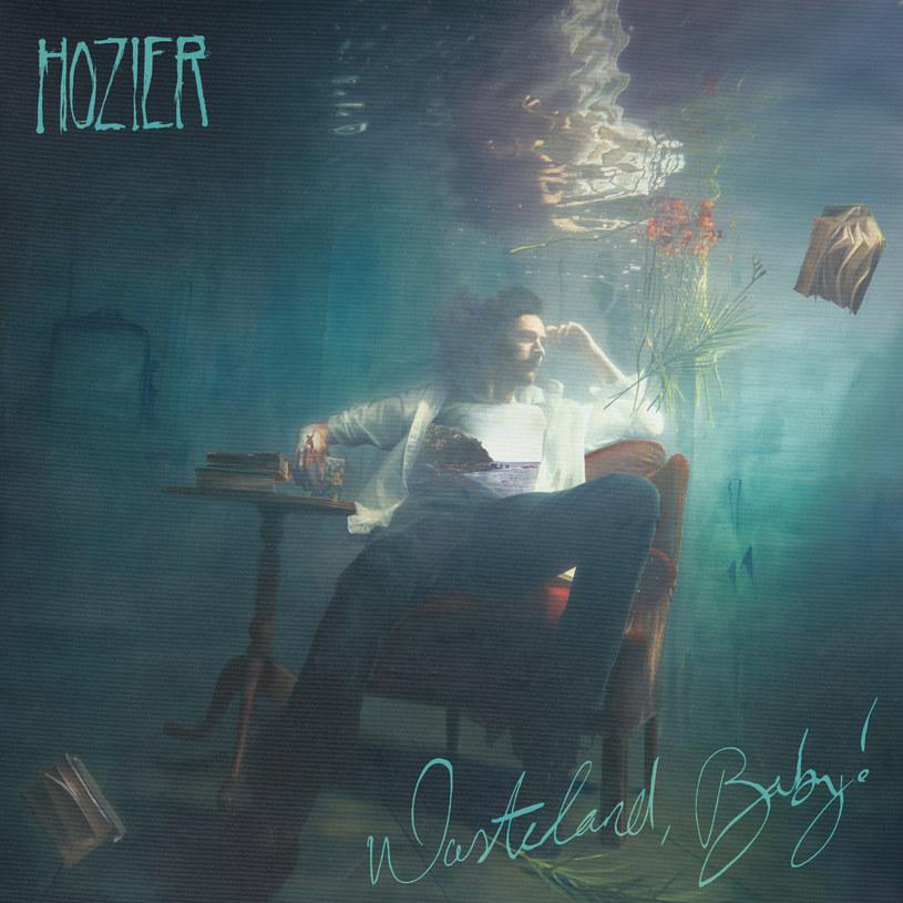 """Wydaje się, że było to dosłownie przed chwilą. Singel """"Take Me To Church"""", wydany w 2013 roku, wywindował Hoziera do absolutnego światowego topu. Irlandczyk miał zadatki na prawdziwą gwiazdę, która zdobędzie serca niemal wszystkich słuchaczy, zarówno tych lubujących się w radiowym popie, jak i zanurzonych w nurcie offowym. Artysta wybrał jednak inną drogę."""