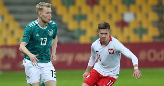 Piłkarska reprezentacja Polski do lat 20 przegrała w Bielsku-Białej z Niemcami 0:2 (0:1) w spotkaniu towarzyskim. To był ostatni sprawdzian drużyny budowanej przez trenera Jacka Magierę na tegoroczne mistrzostwa świata w Polsce.