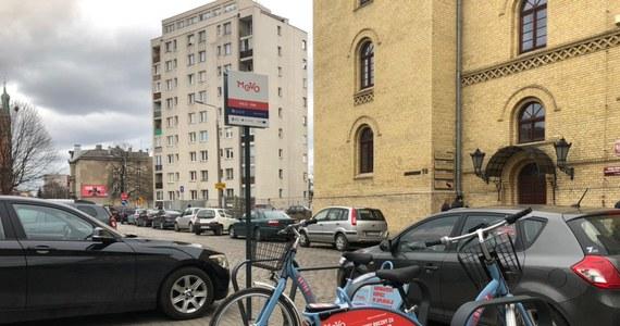 Już sporo ponad 6 tysięcy wypożyczeń rowerów MEVO w Trójmieście i okolicach. Wczoraj w 14 gminach Obszaru Metropolitalnego Gdańsk-Gdynia-Sopot ruszył długo wyczekiwany system roweru miejskiego. Już na starcie razu spotkał się ze znacznym zainteresowaniem.