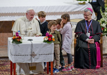 """Papież żegna się z Marokiem. """"Pragnę was zachęcić do dialogu z muzułmanami"""""""