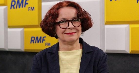 """""""Jest decyzja, że będzie rekonstrukcja rządu. Jeszcze przed wyborami"""" - mówiła w Porannej rozmowie w RMF FM Elżbieta Kruk. """"Są rozmowy, są konsultacje. To musi być płynne, odpowiedzialne, robione w zaciszu gabinetów, nie w mediach"""" - zauważyła posłanka PiS, gość Roberta Mazurka."""