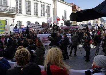 """Protest dyrektorów i pracowników szpitali. """"To jest stan zawałowy"""""""