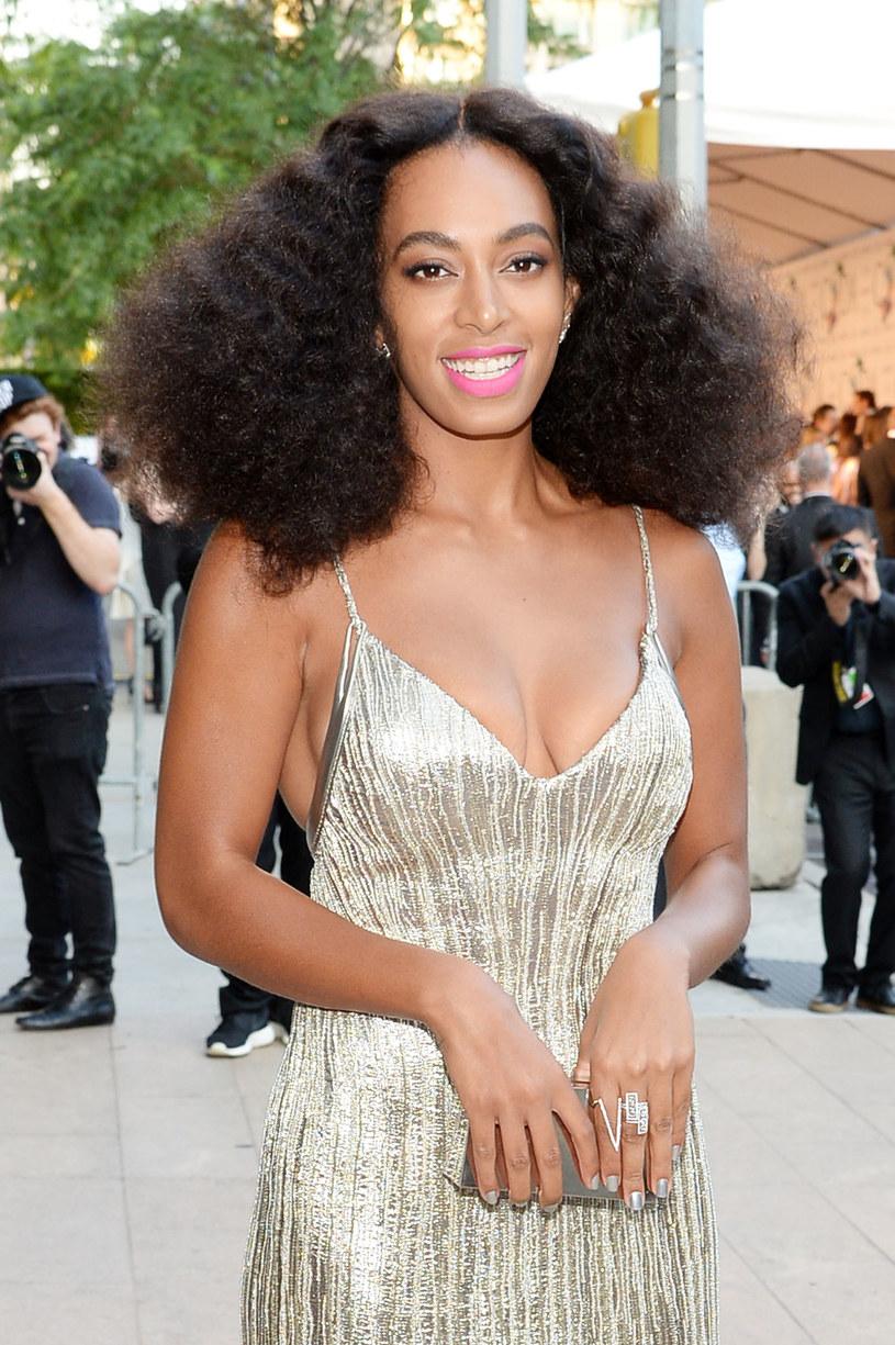 """Solange – wokalistka i autorka tekstów – prywatnie także siostra Beyonce, zaprezentowała gorący teledysk do jednego ze swoich utworów promujących najnowszy album. Zobacz """"Way to the Show""""."""