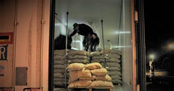 Straż Graniczna zatrzymała 42-letniego Afgańczyka, który ukrył się w transporcie ziemniaków z Grecji. Mężczyzna chciał w ten sposób dojechać do Francji.