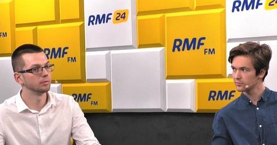 """""""Liczyliśmy na większą frekwencją podczas protestu uczniów wspierających nauczycieli, którzy zebrali się w południe przed ministerstwem edukacji w Warszawie"""" - powiedział w Popołudniowej rozmowie w RMF FM Michał Sienicki z inicjatywy Strajk Uczniowski. """"Chciałbym,  żeby było nas tam więcej (podczas wtorkowego protestu - przyp. RMF FM), ale jestem przekonany, że będzie nas więcej, ponieważ budujemy ogólnopolskie struktury. Jeszcze dwa dni temu zgłosiło się do nas ponad 400 osób z całej Polski, które chcą organizować podobne inicjatywy w swoich miejscowościach. Jestem przekonany, że nasze struktury będą pączkować"""" - dodał."""