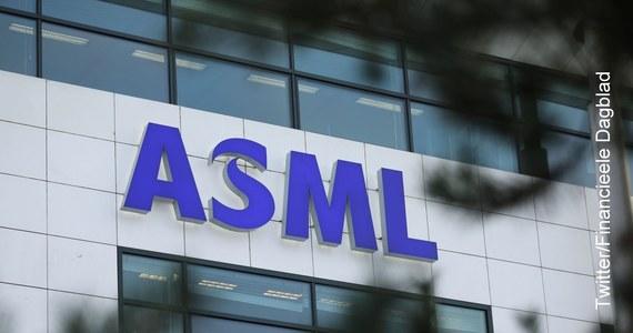 """Chińscy pracownicy zatrudnieni przez holenderskiego producenta urządzeń półprzewodnikowych ASML dopuścili się kradzieży tajemnic firmy, narażając ją na straty wysokości kilkuset milionów euro - podał w czwartek dziennik gospodarczy """"Financieele Dagblad""""."""