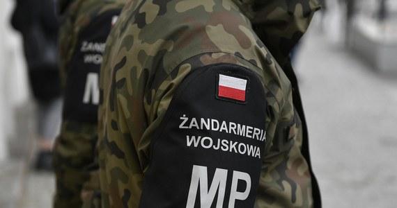Żandarmeria wojskowa zatrzymała czterech żołnierzy 11 Mazurskiego Pułku Artylerii w Węgorzewie. Wszystkim przedstawiono zarzuty posiadania środków odurzających.