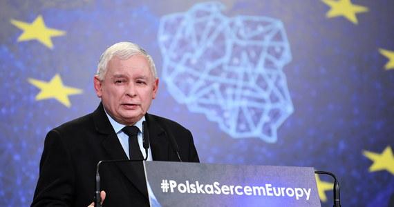 """Mówimy """"nie"""" euro, mówimy """"nie"""" europejskim cenom - powiedział w Lublinie prezes PiS Jarosław Kaczyński. Niezależnie od tego, jaki będzie mechanizm przyjęcia euro, w ten czy inny sposób na tym stracimy - dodał."""