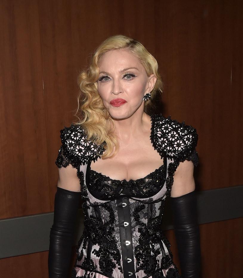 """""""Madame X"""" będzie 14. albumem królowej popu. O jego powstaniu mówiło się już długo, Madonna jednak dopiero teraz oficjalnie potwierdziła realizację nowego muzycznego projektu."""