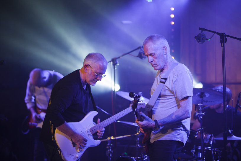 Podczas X edycji Międzynarodowego Festiwalu Producentów Muzycznych Soundedit brytyjski zespół The Opposition wystąpił na specjalnym koncercie w Radiu Łódź. Występ był w całości transmitowany oraz został zarejestrowany. Wydawnictwo miało premierę w sobotę 13 kwietnia podczas Record Store Day.