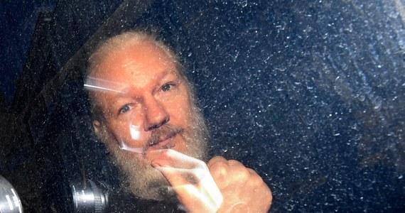 """Prezydent Ekwadoru Lenin Moreno oskarżył Juliana Assange'a o próbę wykorzystywania ambasady jego kraju w Londynie jako """"centrum do prowadzenia działań szpiegowskich"""". W ten sposób broni decyzji o uchyleniu azylu politycznego i wydaniu zgody na aresztowanie założyciela portali WikiLeaks."""