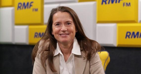 """""""Nauczyciele nie mają możliwości niż strajk, żeby wyegzekwować swoje prawa. To nie jest grupa zawodowa, która będzie palić opony. Strajk przybrał charakter polityczny, ale nie jest strajkiem czysto politycznym"""" - mówi Poranny gość RMF FM Monika Jaruzelska. Warszawska radna SLD podkreśla, że przez 30 lat nie załatwiono spraw nauczycieli. Sama jest mamą 8-klasisty, który dziś pisze egzamin z matematyki."""