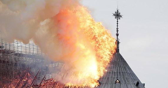 """""""Notre Dame jest jak członek rodziny każdego Francuza. Jest częścią naszej tożsamości i nie dającym się ocenić skarbem dla nas wszystkich"""" - mówi o paryskiej katedrze dyrektor warszawskiego biura Agence France Presse Michel Viatteau."""