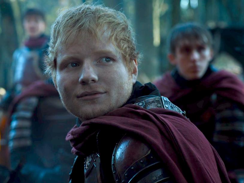 """Brytyjski gwiazdor muzyki Ed Sheeran nie powróci do bijącego rekordy popularności serialu """"Gra o tron"""". Wokalista gościł w produkcji, ale jego gra została źle oceniona zarówno przez krytyków, jak i widzów."""