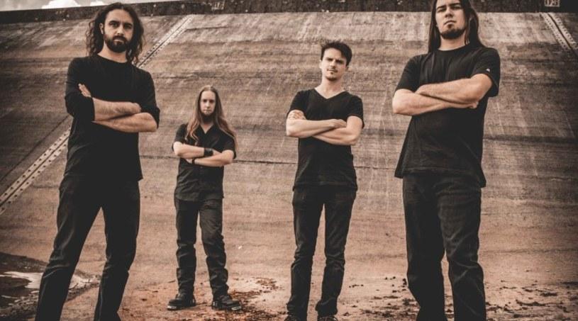 Już 19 kwietnia fani progresywnego death metalu będą mogli sięgnąć po drugą płytę francuskiej grupy Fractal Universe.