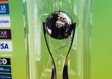 W Łodzi zaprezentowano puchar mundialu U-20