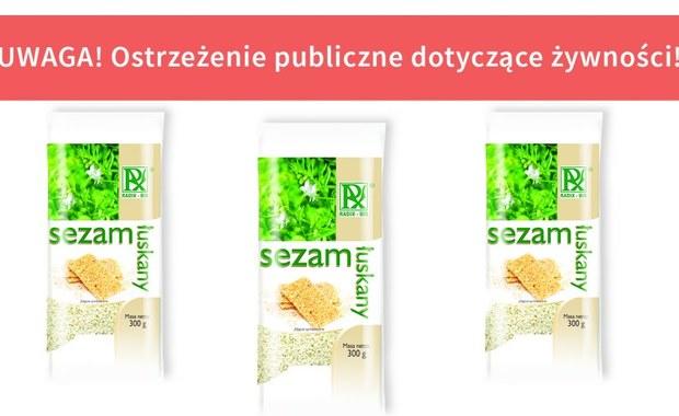 Wykryto pałeczki salmonelli w partii sezamu łuskanego firmy Radix-Bis  – poinformował w Główny Inspektorat Sanitarny. Spożycie produktu wiąże się z ryzykiem zatrucia pokarmowego.