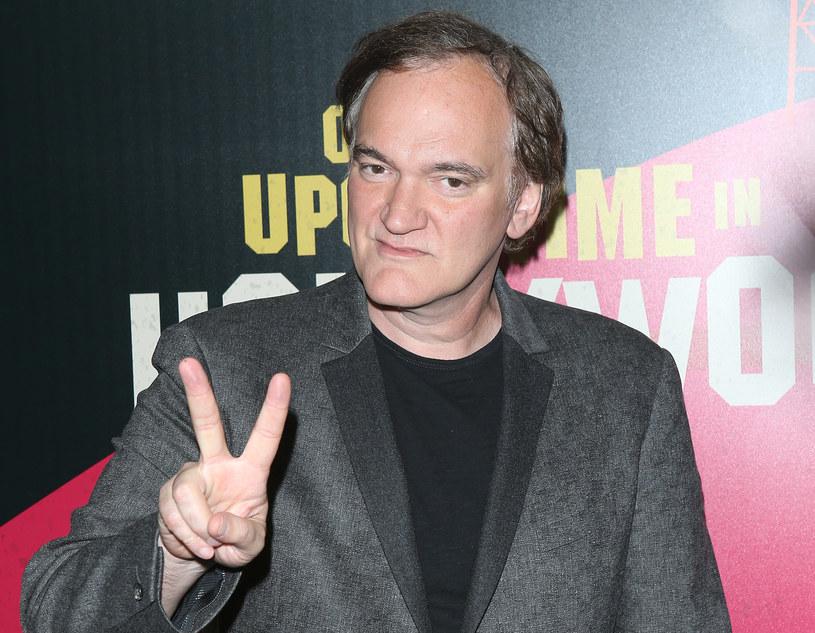 """Gdy 18 kwietnia ogłoszono filmy wchodzące w skład konkursu głównego Festiwalu Filmowego w Cannes, wielu spodziewało się znaleźć wśród nich """"Pewnego razu... w Hollywood"""" Quentina Tarantino. Tak się jednak nie stało. Reżyser wciąż pracuje nad swoim filmem. Nie znaczy to jednak, że nie zobaczymy go w Cannes."""