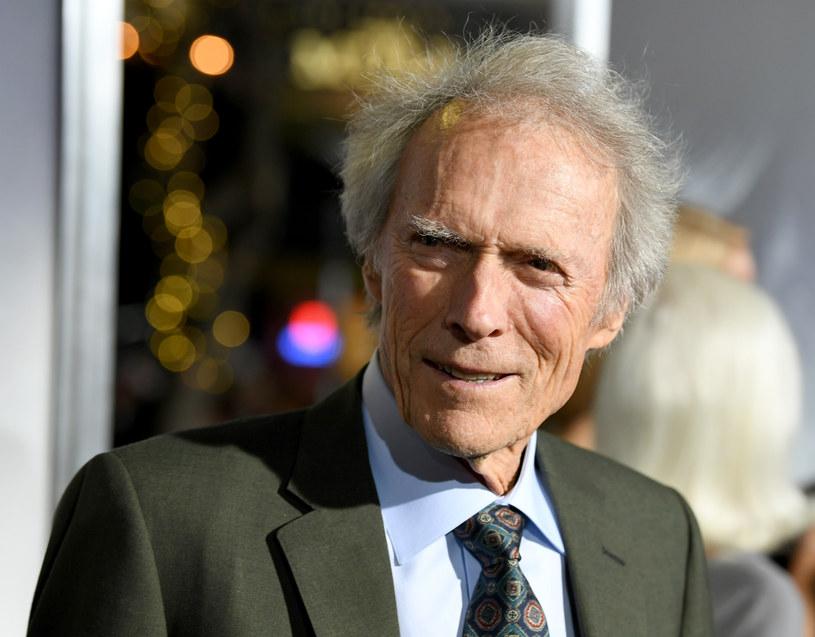 """88-letni Clint Eastwood nie zamierza iść na emeryturę. Jak podaje serwis Deadline, uznany twórca jest zainteresowany wyreżyserowaniem filmu """"The Ballad of Richard Jewell"""". Projekt krąży po Hollywood od dłuższego czasu."""