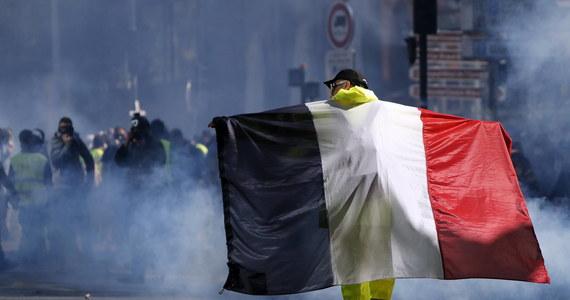 """Szef francuskiego MSW Christophe Castaner oznajmił, że wobec zapowiedzianej na Facebooku sobotniej """"wielkiej mobilizacji"""" ruchu żółtych kamizelek zwiększy obecność sił porządkowych na ulicach miast do 60 tys. policjantów."""