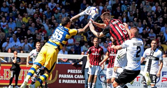 Piłkarze Milanu tylko zremisowali na wyjeździe z Parmą 1:1 w meczu 33. kolejki włoskiej Serie A. W ekipie gości całe spotkanie rozegrał Krzysztof Piątek, ale tym razem nie wpisał się na listę strzelców.