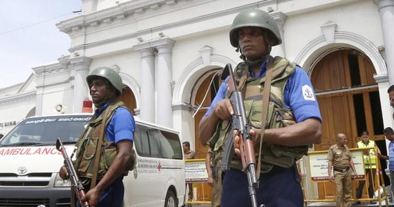 Po niedzielnych eksplozjach na Sri Lance wyrazy współczucia Lankijczykom przesyłają przywódcy z całego świata. Ataki potępili m.in. przewodniczący Komisji Europejskiej Jean-Claude Juncker i szef Rady Europejskiej Donald Tusk, a także prezydent Rosji Władimir Putin.