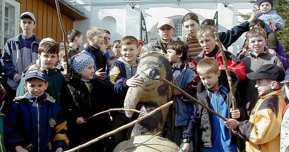 """Światowy Kongres Żydów (World Jewish Congress; WJC) potępił w niedzielę """"antysemickie"""" spalenie kukły Judasza Iskarioty w ramach wielkopiątkowego rytuału, którego tradycja została wznowiona w tym roku w Pruchniku w południowo-wschodniej Polsce."""
